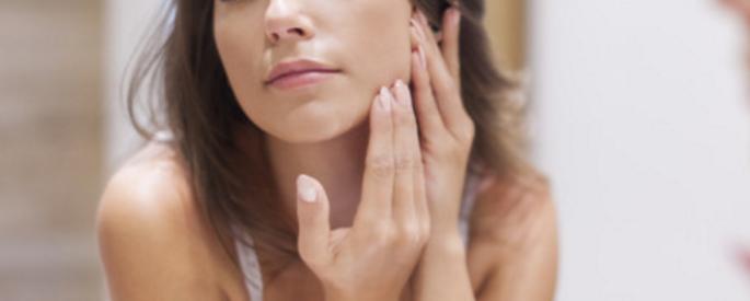 jawline acne